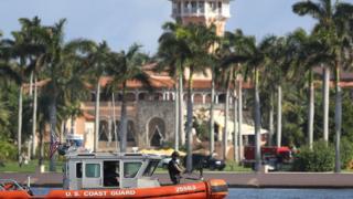 Guardia costera vigila el resort Mar-a-Lago