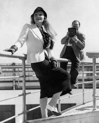 Photographer Bill Probst takes an image of Marlene Dietrich