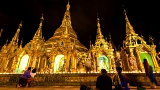 Буддистские пагоды в Бирме