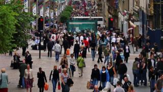 Buchanan Street crowds