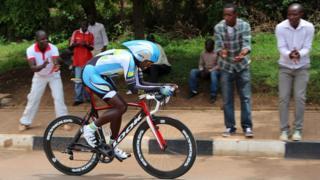 """Eyob réalise une bonne opération en grimpant à la seconde place du classement général à 42"""" du leader, le Rwandais Valens Ndayisenga."""