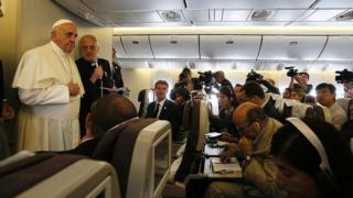 Папа Франциск в самолете с журналистами