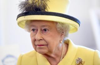 สมเด็จพระราชินีนาถเอลิซาเบธที่สอง