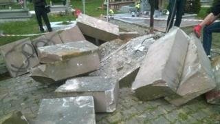 польща, пам'ятник воънам УПА, вандалізм
