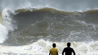 """Циклон """"Окхі"""" вдарив по Шрі-Ланці й Індії у п'ятницю"""