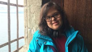 Letícia Nogueira, estudante brasileira com Down que vive na Suíça