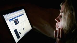 بیش از یک از چهارم جمعیت دنیا از فیسبوک استفاده میکنند