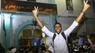 كانت السلطات السودانية قد أفرجت عن عدد من المعتقلين في فبراير/ شباط 2018