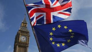 Прапори ЄС і Великої Британії