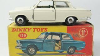 Dinky 139 Ford Consul Cortina, South African Issue