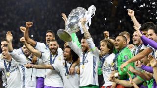 El Real Madrid con la copa de la Champions League
