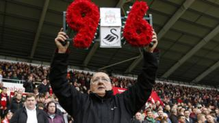 Barry Devonside, whose son died in the Hillsborough disaster, received a tribute in memory of all the victims before the game