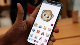 アップル社は、様々な方法で利用者の「信頼回復」に努めると発表した