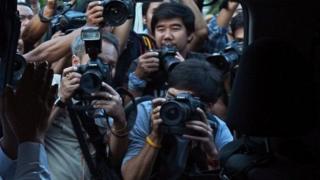 หากร่าง พ.ร.บ.นี้ออกมาใช้บังคับ สื่อมวลชนทุกคนไม่ว่านักข่าวหรือช่างภาพ จะต้องขอใบอนุญาตทำงาน