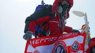 ایات توتهیل در قله اورست