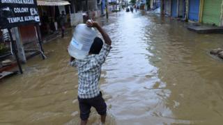 హైదరాబాద్పై జోకుల వాన