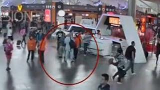 クアラルンプール国際空港のターミナル内の防犯カメラに写っていた金正男氏(今月13日)