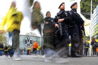 Dortmund explosions: 'Islamist' suspect held over team bus attack