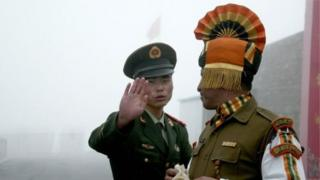 ความตึงเครียดเพิ่มขึ้นตามแนวพรมแดนพิพาทระหว่างอินเดียกับจีน