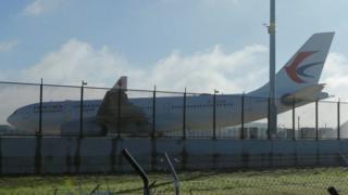 Самолет китайской авиакомпании, экстренно севший в австралии