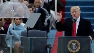 Donald Trump ayaa hadda dibad bax kala kulmaya dumarka