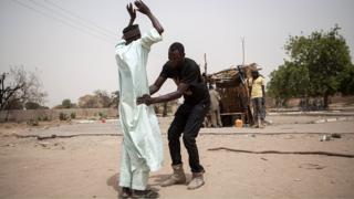 Des miliciens contrôlent les mouvements des populations dans l'Etat du Borno