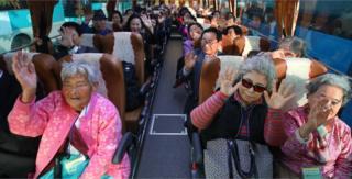 家族に再会するため北朝鮮に向かう人々。その多くは80、90歳代だ(20日)