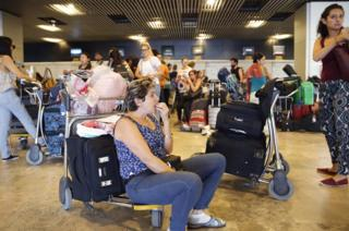 Mexicans stranded at Madrid-Barajas, 4 Aug 16