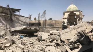 The remains of the destroyed Great Mosque of al-Nuri on the frontline in the Old City of Mosul, Iraq (29 June 2017)