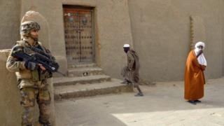 Asakari wa Ufaransa wakiimarisha ulinzi nchini Mali