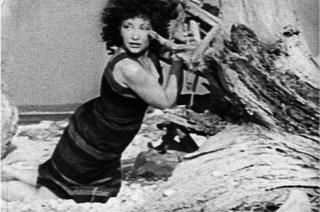 """Майя Дерен. Кадр із фільму """"На березі"""" 1944 рік."""