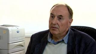 Dr Geoff Lloyd