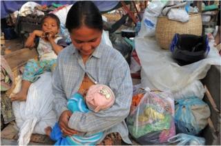 หลายฝ่ายมองว่า การส่งออกนมแม่เท่ากับส่งเสริมให้นำนมไปขาย แทนที่จะให้ลูกของตนเองกิน
