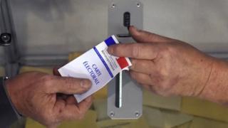 Eleitor francês vota