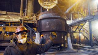 Робітник на Донецькому металургійному заводі