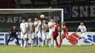Tuyển Việt Nam thể hiện lối chơi rời rạc, thiếu gắn kết trước sức ép của đối thủ
