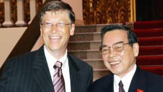 Thủ tướng Phan Văn Khải tiếp Chủ tịch tập đoàn Microsoft Bill Gates ở Hà Nội tháng Tư 2006