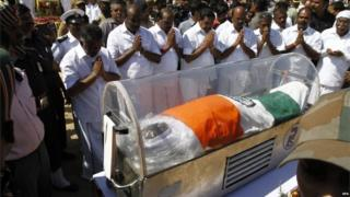 People pay their respect to late former Indian president A. P. J. Abdul Kalam's body during a lie-in state at ramanathapuram, mantapam camp around 640km from southern Indian city of Chennai, on 29 July 2015.