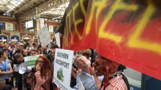 Protestors at Victoria Station