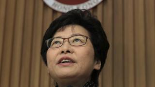 林郑月娥在当选后一日与现任特首梁振英会面。