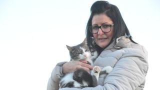 Nicola Lewis and Tigger the cat