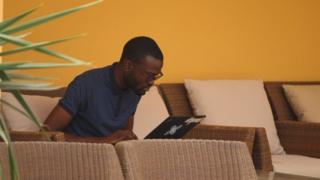 Kelly Adediha, (à DROITE) Co-fondateur de TechOfAfrica