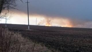 Украинадагы Балаклея аймагында ок-дары сакталаган эң ири кампадан өрт чыкты.