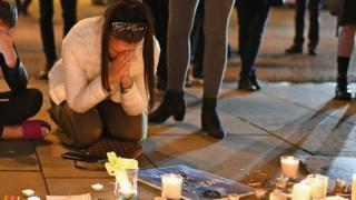 Tributo a las víctimas del atentado en Manchester