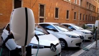 Электромобиль Renault Zoe - один из самых популярных в Европе