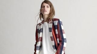 مصممة الأزياء البريطانية جوانا سايكس
