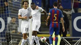 Ahmed Musa akisherehekea kuifungia Leicester City dhidi ya Barcelona