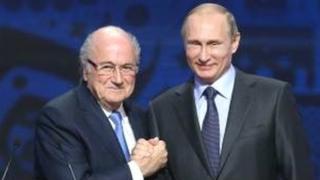 L'ancien président de la Fifa assistera au mondial 2018 qu'organise la Russie sur invitation du chef de l'Etat russe.