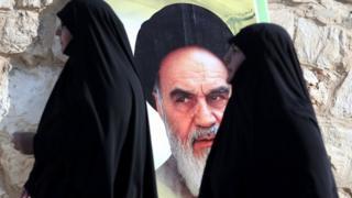 سيدتان إيرانيتان