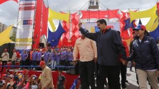 """آقای مادورو گفت که مجلس تازه """"مجلسی مردمی"""" خواهد بود که تلاش های پارلمان را سد خواهد کرد"""